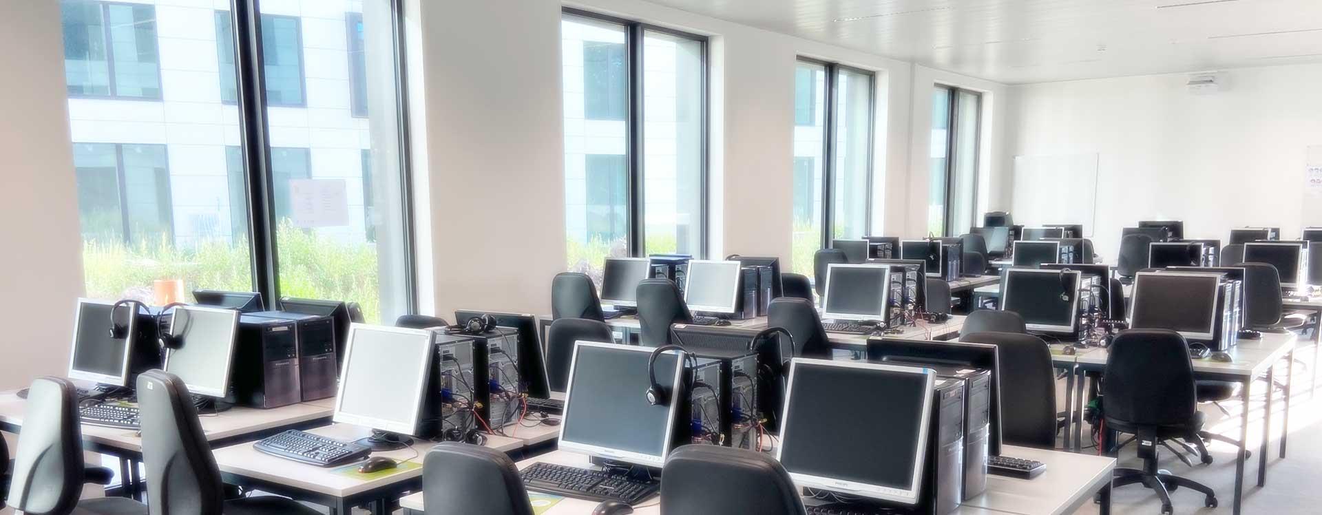 Autoformation accompagnée en informatique, bureautique en en langues